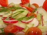 Jarní salát z okurek recept