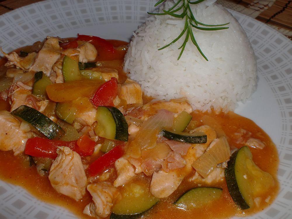 Minutkové kuřecí s letní zeleninou recept