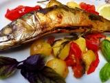 Makrela s rajčaty a bramborami recept