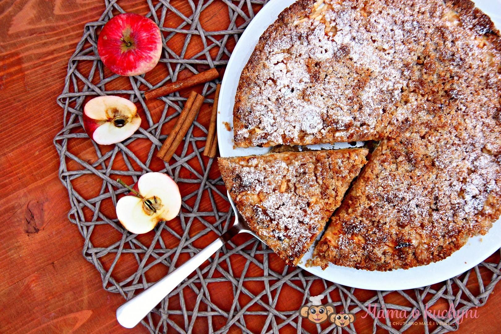 Střapatý jablečný koláč s tvarohem recept