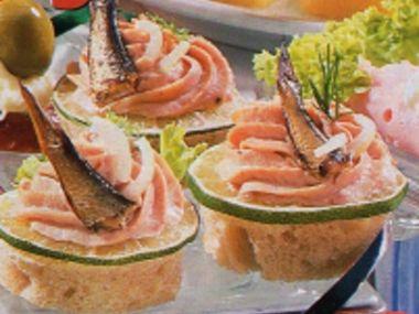 Kanapky s rybí pěnou a Krekry s kaviárem