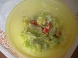 Míchaný okurkový salát s jogurtem recept