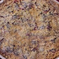 Český švestkový koláč s drobenkou recept