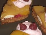 Medové řezy s ovocem recept