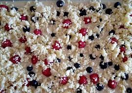 Malinovo  borůvkový koláč na lžíce recept