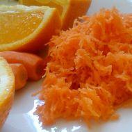 Mrkvový salát s jablkem a pomerančem recept