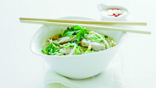 """Vietnamská kuřecí polévka """"Pho ga"""""""