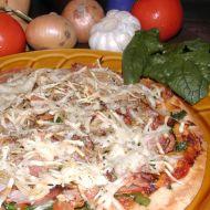 Pizza se špenátem recept