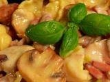 Sušené gnocchi s kuřecím masem a žampióny recept