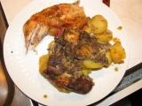 Kuřecí maso na nádivce a bramborách v římském hrnci recept ...