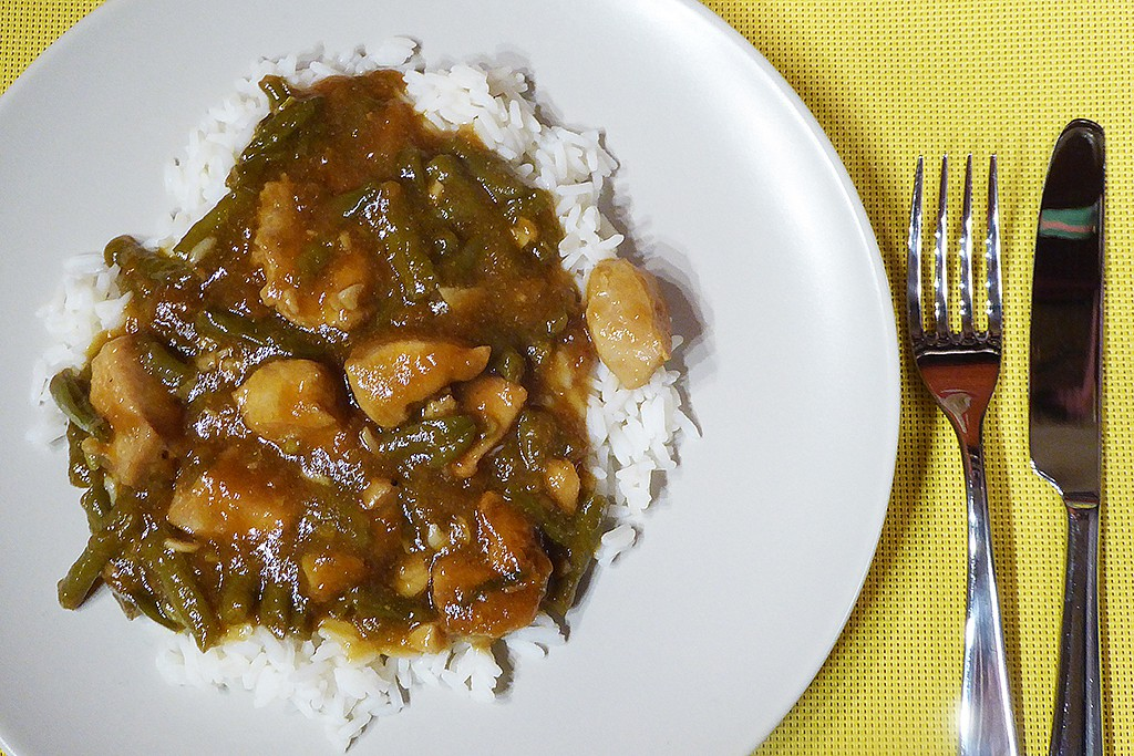 Pikantní česnekové kuře se zelenými fazolkami recept  TopRecepty ...
