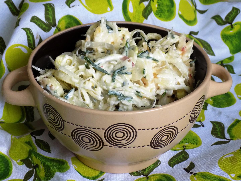 Pórkový salát s jablkem a sýrem recept