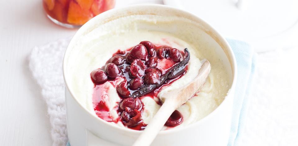Krupicová kaše s vanilkou