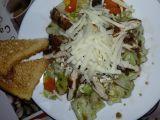 Zeleninový salát s kuřecim grilovaným masem recept