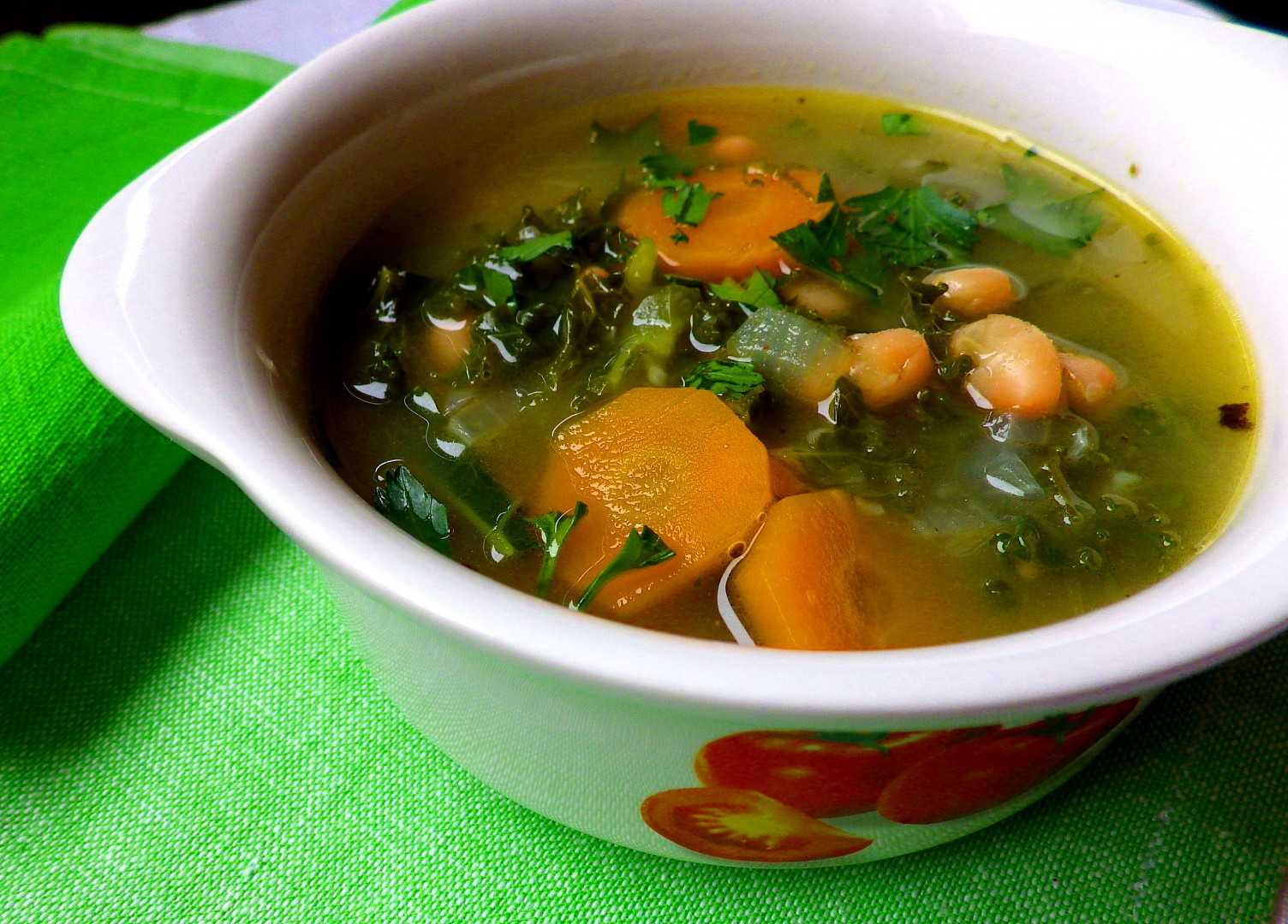 Polévka z kadeřávku s fazolemi recept