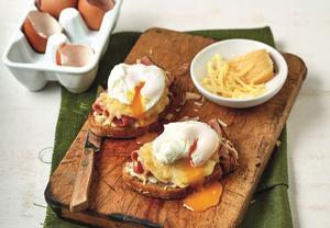 Topinky se sýrem, šunkou a vejcem