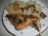 Králík na houbách a česneku recept