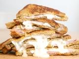 Vajíčkový toast se šunkou a sýrem recept