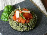 Brokolicové koláčky s ricottou a chia semínky s rajčatovým ragú ...