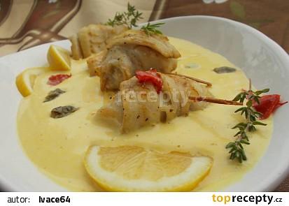 Rybí závitky s jemnou holandskou omáčkou s kapary recept ...