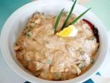 Salát z rybiček v tomatě recept