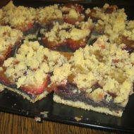 Švestkový kynutý koláč s mákem recept