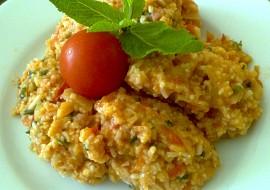 Rýže v rajčatové omáčce se zeleninou, uzeným masem a mátou ...