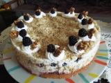 Ořechový dort s ostružinami recept