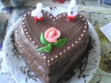 Dvoupatrový dort s kávovým krémem a čokoládovou polevou recept ...