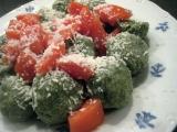 Špenátové knedlíčky s rajčaty recept