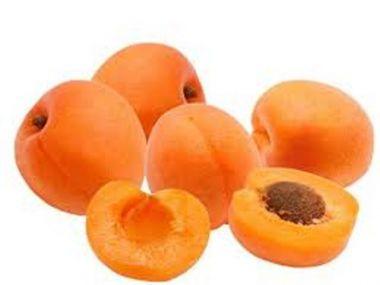 Závin s mákem a meruňkami