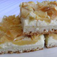 Kynutý jablkový koláč s tvarohem recept