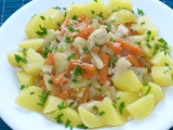 Dušená mrkev s kedlubny a kuřecím masem recept