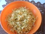 Zelný salát s mrkví a mozarellou recept