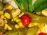 Kuřecí nugety se sladkým hráškem a kukuřicí recept
