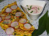 Omeleta s ředkvičkami a medvědím česnekem s parmazánovým ...