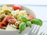 Těstovinový salát caprese recept
