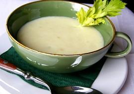 Polévka z řapíkatého celeru  pre priateľku M. recept