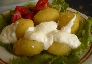 Letní salát s bramborami
