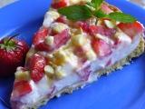 Jahodový koláč s oříšky a karamelem recept
