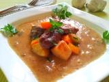 Hovězí s tymiánem a restovanou zeleninou recept