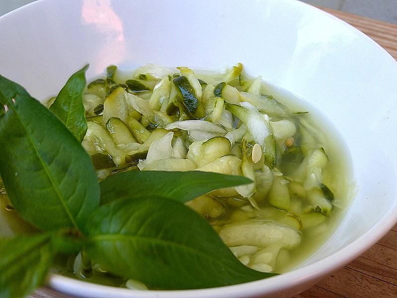 Okurkový salát (bez zavařování) recept