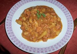 Bramborový guláš s uzeninou recept