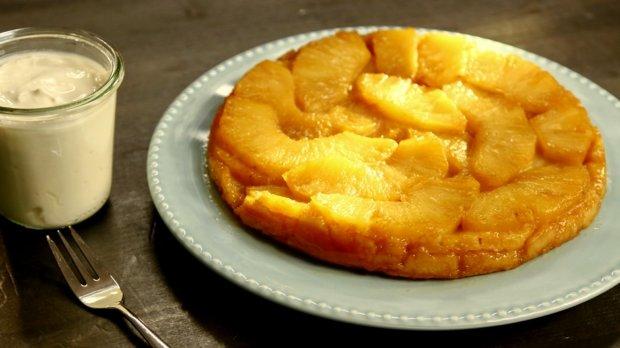Obrácený ananasový koláč