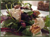 Salát ze syrové červené řepy s balkánem a ořechy recept ...
