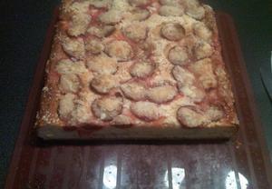 Kynutý koláč s ovocem pro domácí pekárnu