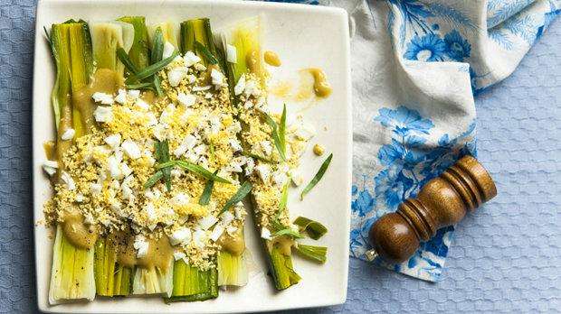 Pórkový salát s vejcem