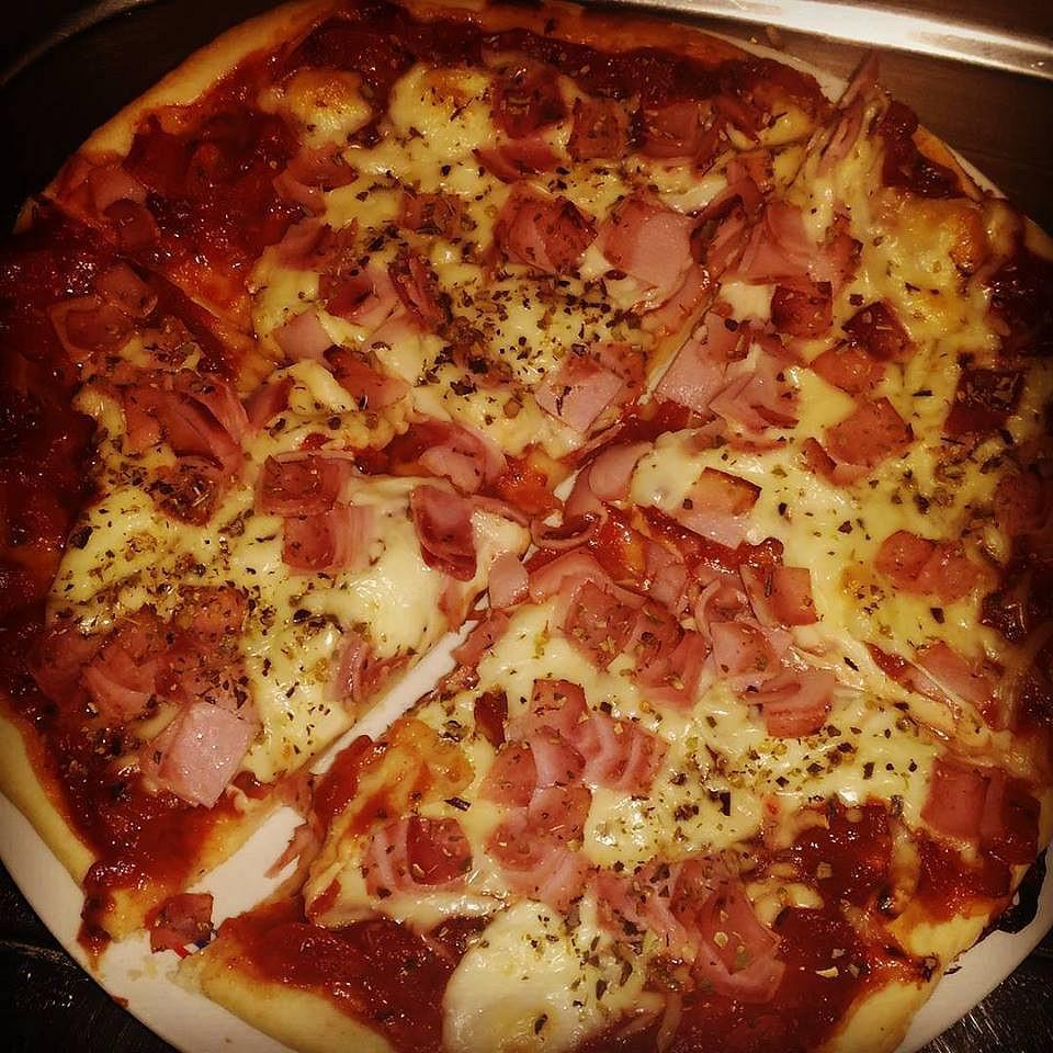 Jednoduché těsto na pizzu recept