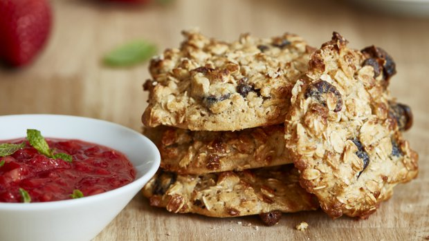 Bezlepkové sušenky z ovesných vloček s jahodovou omáčkou ...