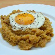 Červená čočka s vejcem a chia semínky recept